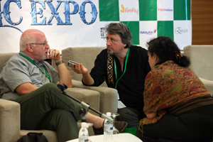 Charlando con Gerald Selligman, director de la Borneo World Music Expo - Foto: cortesía Sarawak Tourism Board